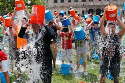 berita viral di medsos, viral, viral di facebook, viral terbaru, Ice Bucket Challenge