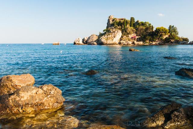 Isolla Bella pequeña península en la costa de Taormina