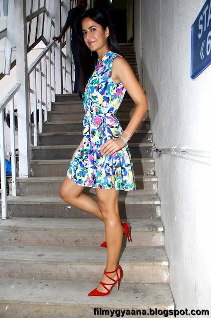 katrina kaif shows spicy legs pic
