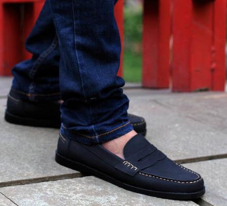 Sepatu Slip On, Model Simple dan Tak Ribet