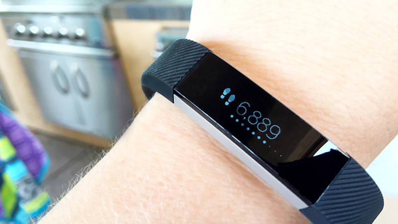 How To Show Steps On Fitbit Alta Display Rather Than Kg