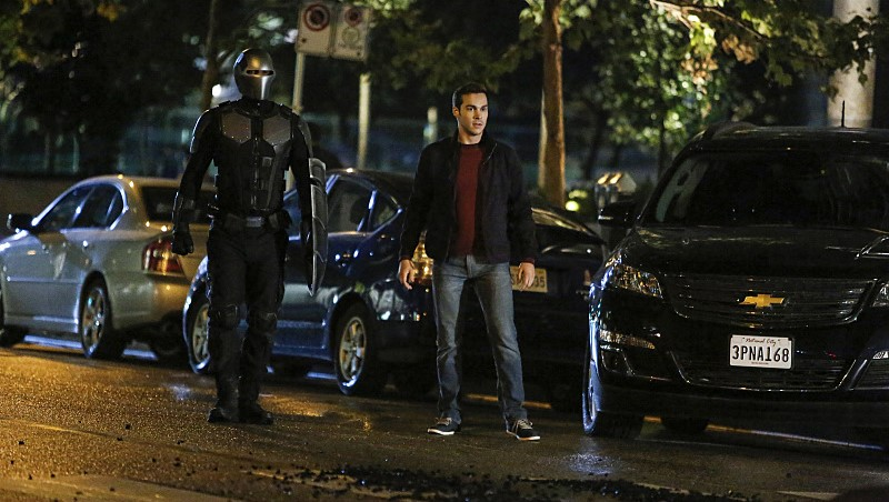 Supergirl 2x06 s02e06 Changing Chris Wood Mehcad Brooks  Mon-El James Olsen Guardian