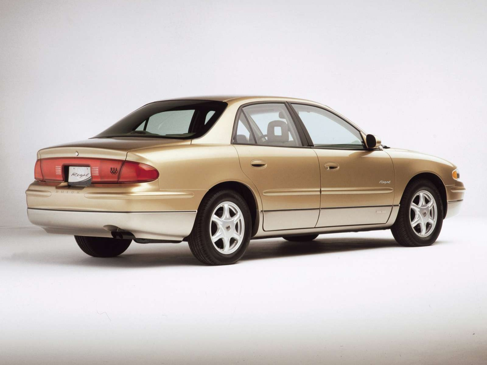 Buick Regal on 2001 Buick Lesabre