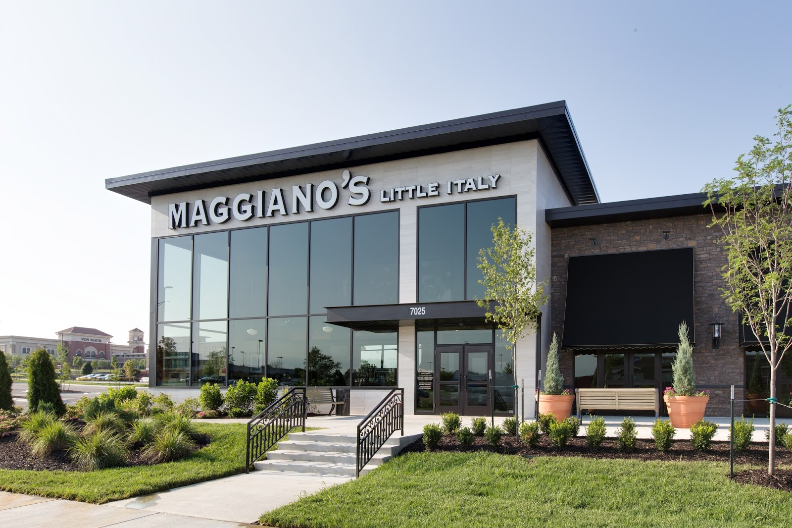 Maggianos Little Italy Celebrates First Grand Opening In Kansas