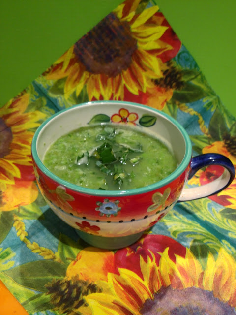 Pea soup in a cup