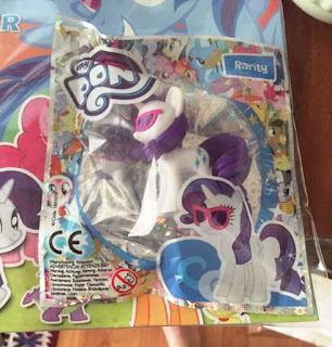 Rarity With Sunglasses Free With This Months Polish Magazine