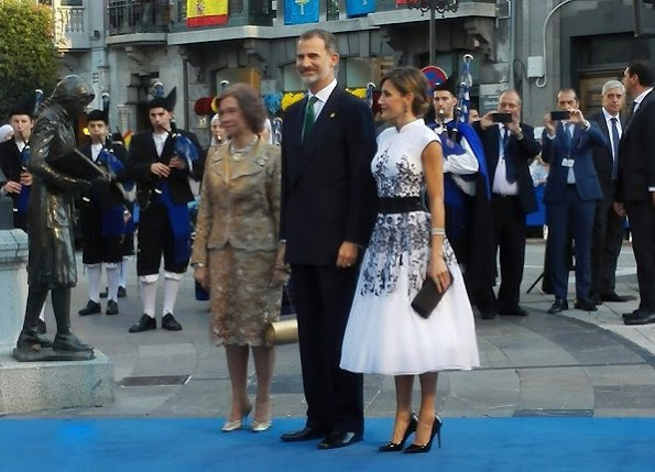 King Felipe VI and Queen Sofia. Queen Letizia wore Carolina Herrera Floral-Embroidered dress, Prada Pumps