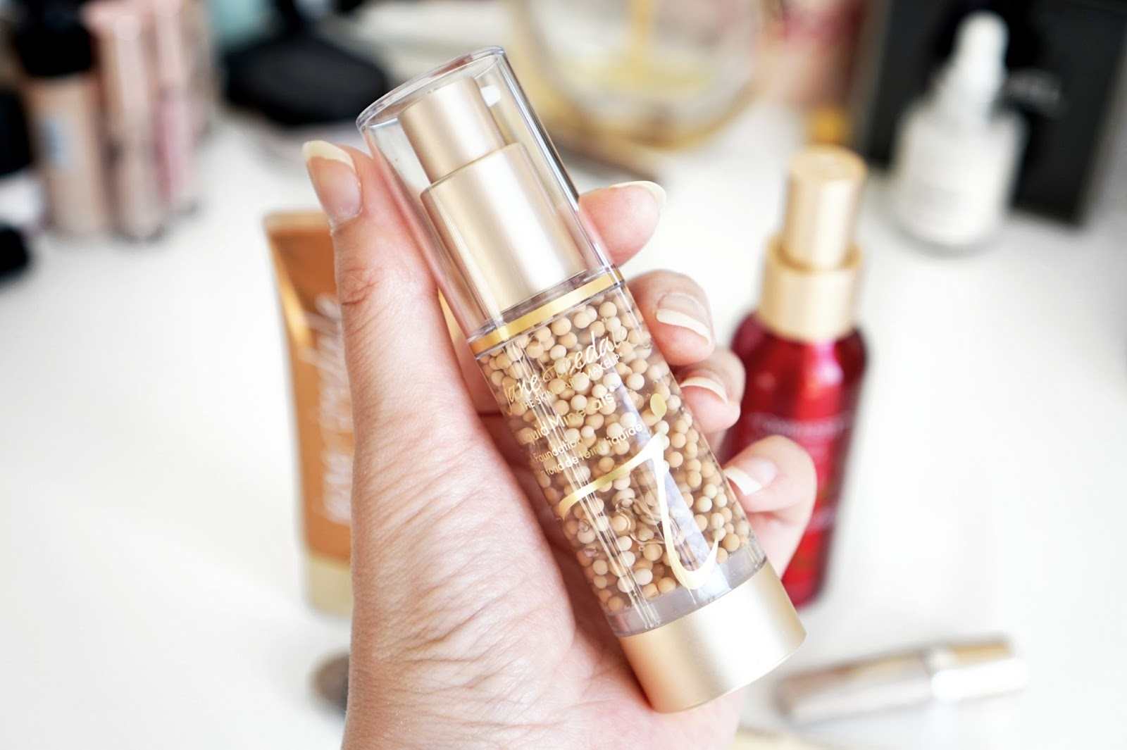 Jane_Iredale_Liquid_Minerals_A_Foundation