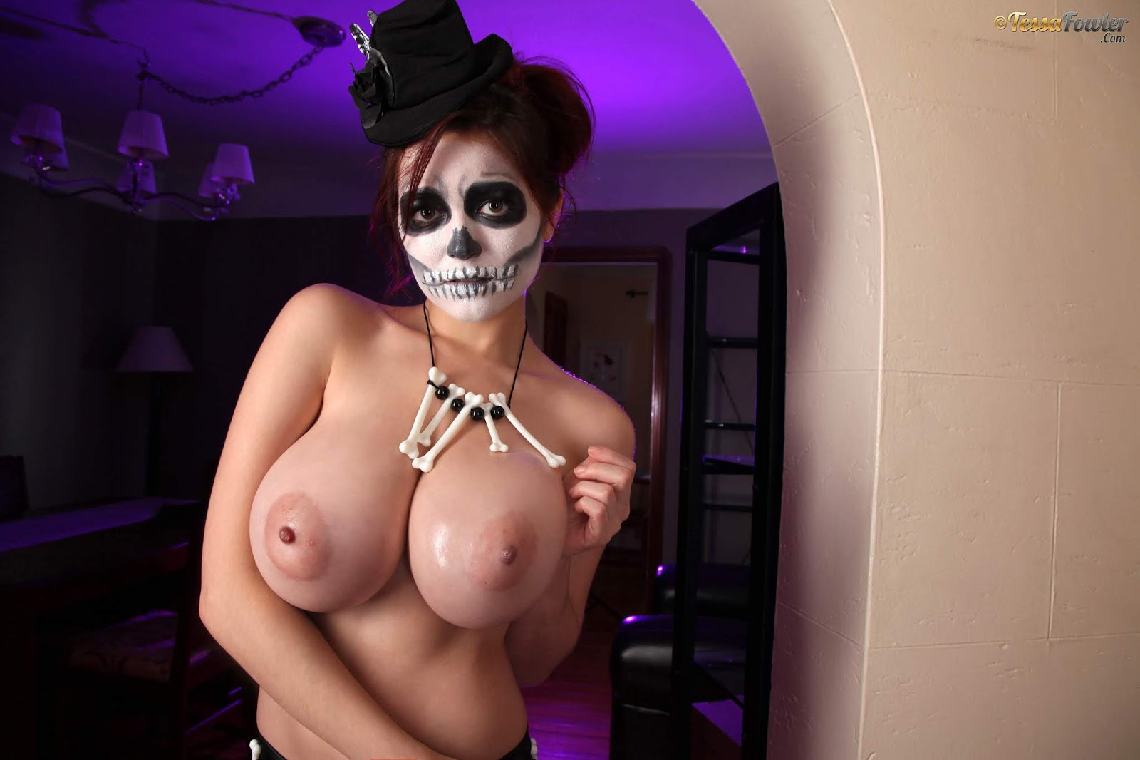 Halloween boobs gallery mybigtitsbabes