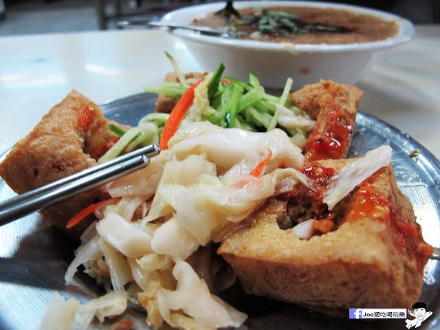 IMG 7382 - 【台中美食】台中忠孝夜市必吃,營業超過40年的老味道 『正老牌』麵線糊/臭豆腐,我想這應該是在地人小時候的回憶吧!!
