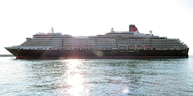 Cruise ship Queen Victoria, IMO 9320556, port of Livorno