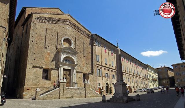 Urbino - Plaza del renacimiento