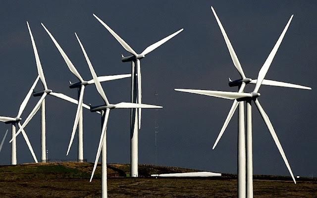 As turbinas eólicas da Escócia estão se tornando cada vez mais eficientes, a energia eólica produziu o equivalente a 206 por cento das necessidades do país.
