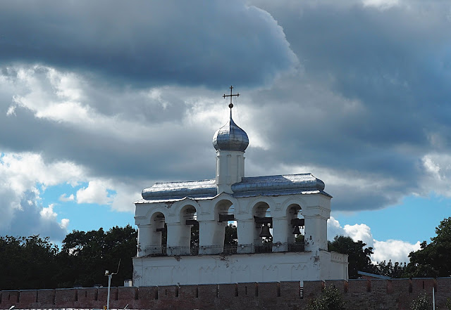 Великий Новгород – звонница Софийского собора (Veliky Novgorod - the belfry of St. Sophia Cathedral)