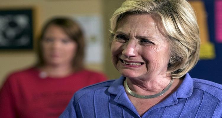 هيلاري كلينتون تبكي بهستيريا .. وتكشف سبب هزيمتها أمام ترامب