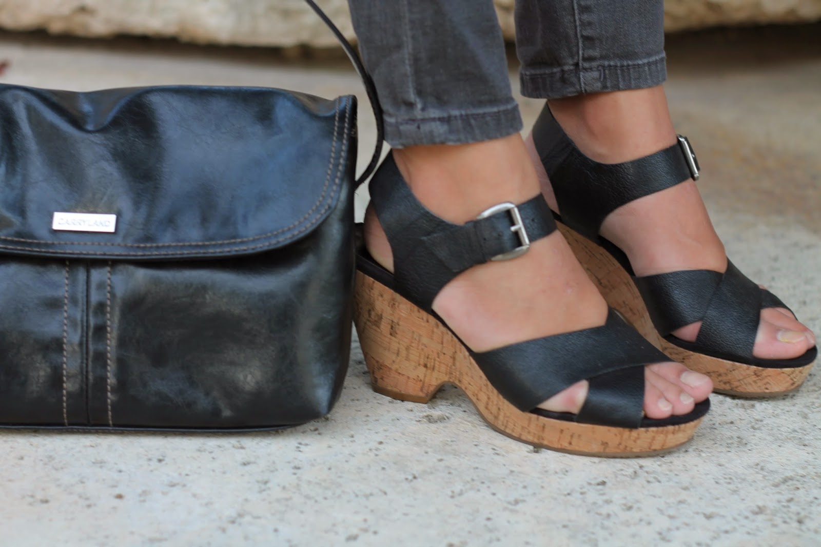 comfy nine west black sandals