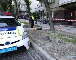 Водій порізав ножем жінку-поліцейського