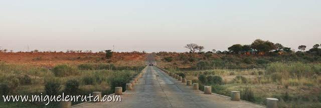 Crocodile-Bridge-safari-por-libre-Kruger