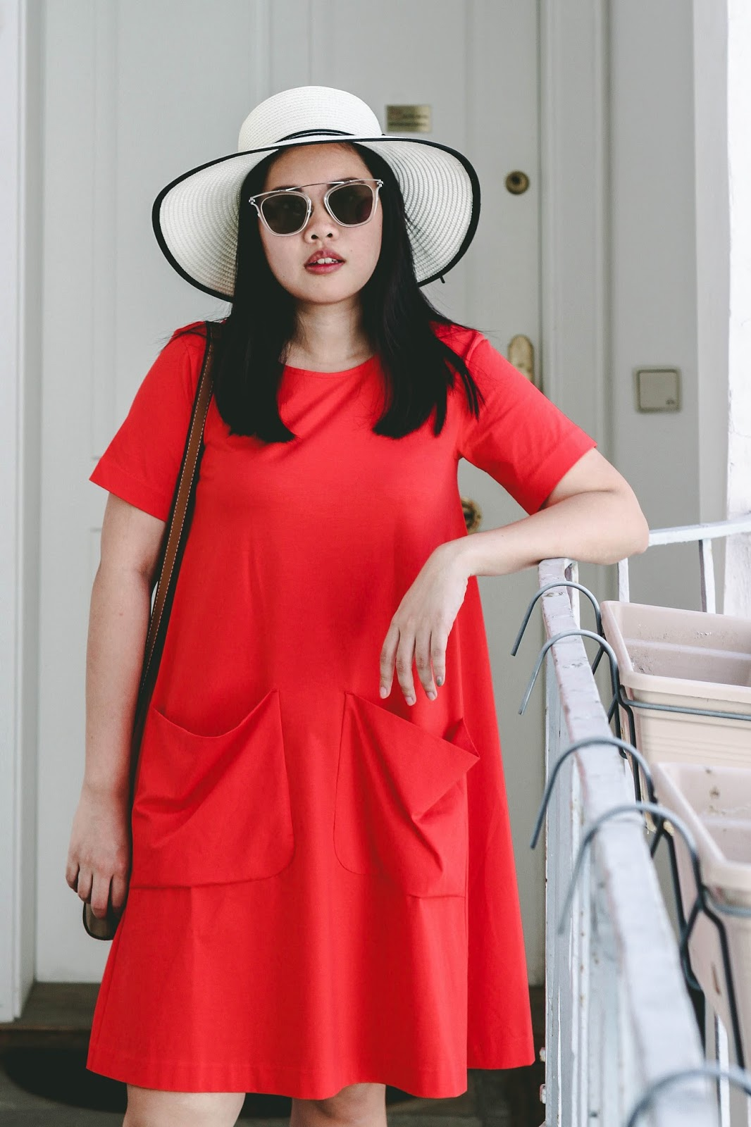 singapore blogger style stylist stylexstyle red cos street photographer look book outfit summer holiday dress