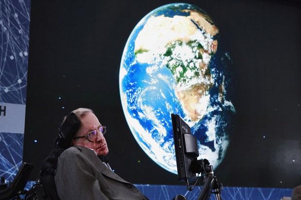 Mengenal Stephen Hawking, Jenius Lumpuh yang Menginspirasi Dunia
