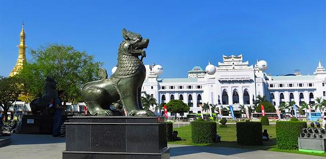 Maha Bandula Park City Hall and Sule Pagoda