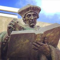 Estatua de Erasmus Erasmo en Rotterdam