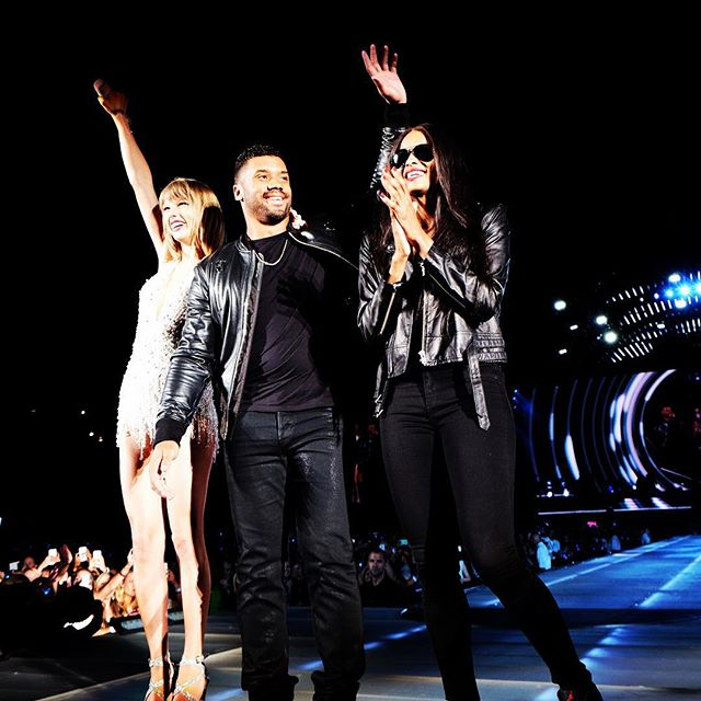 Taylor Swift That Seattle crowd went ABSOLUTELY INSANE when ciara and dangeruss wilson