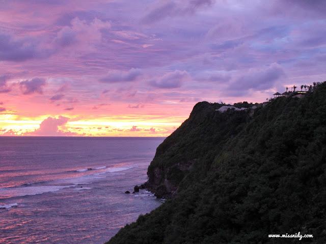 sunset di uluwatu bali