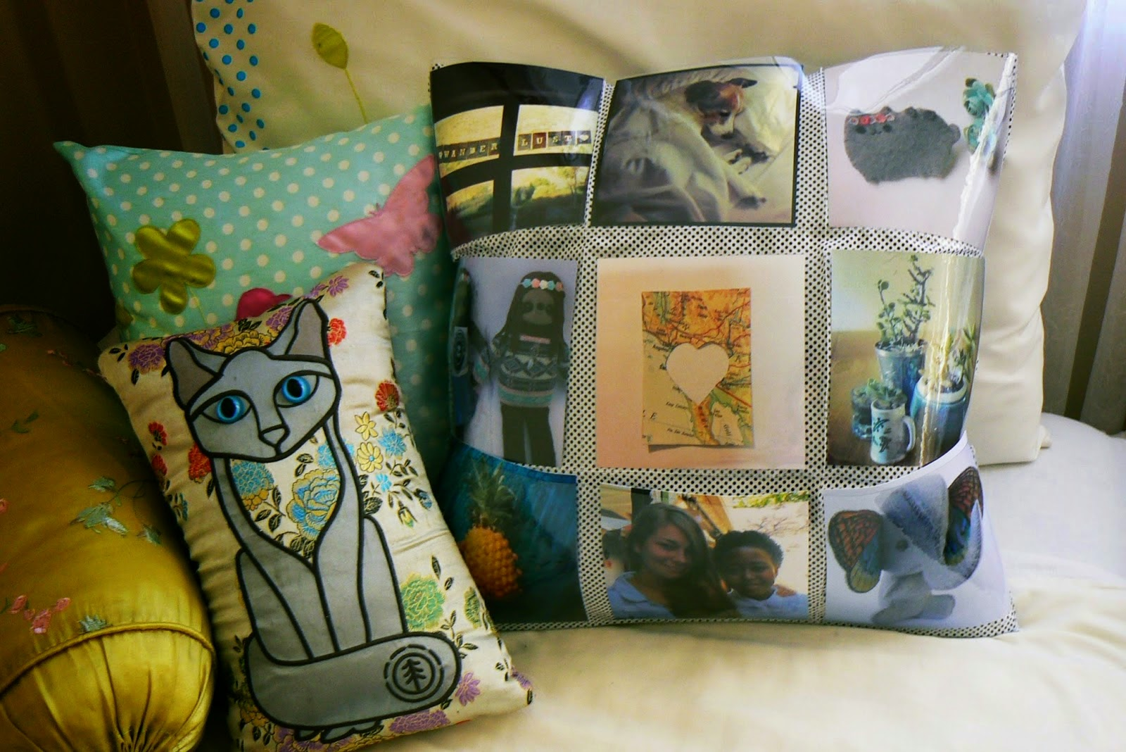 http://ld-p.blogspot.com/2014/08/diy-photo-pocket-cushion.html