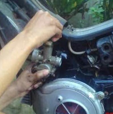 Penyebab busi basah pada motor F1ZR