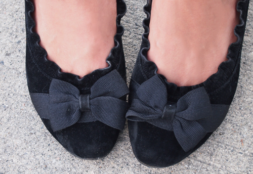 42b571081e4 Blouse  Olive   Oak   Pants  7 For All Mankind (here)   Shoes  Hong Kong
