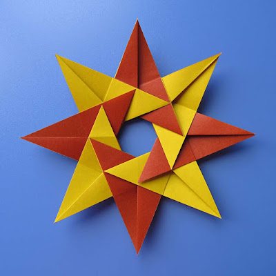 Origami, Stella Natale (retro) – Christmas star (back)  © by Francesco Guarnieri