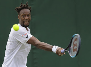 Gael Monfils retires from match at Wimbledon