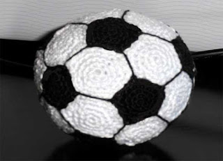 gorra, balón, pelota fútbol, crochet, deporte, ganchillo, amigurimis
