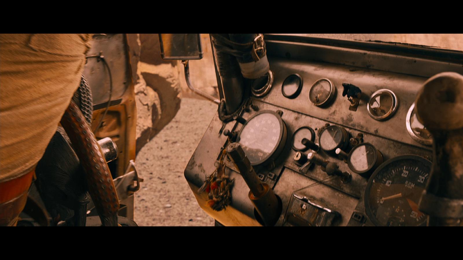 Mad Max Furia En El Camino (2015) 1080p BD25 (JPW) 1