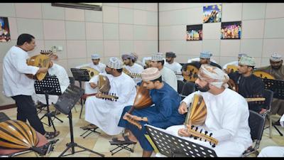 تواصل الدورة التدريبية الـ12 للعازفين بالجمعية العمانية لهواة آلة العود