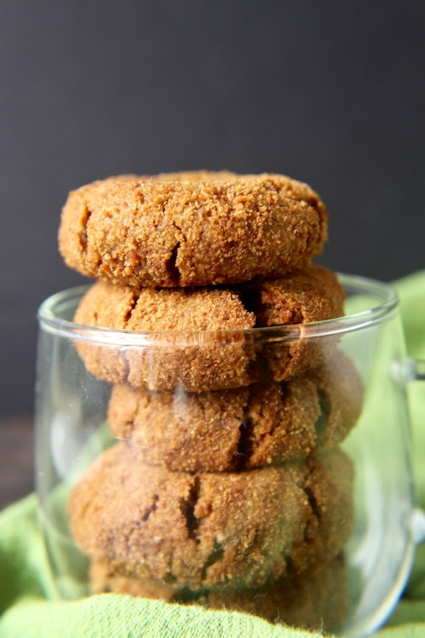PALEO GINGERSNAPS RECIPE