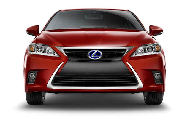 2017 Lexus CT200h Review