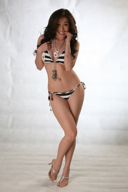 Christine Reyes Sexy Picture