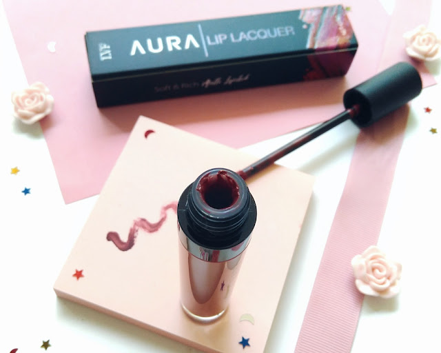 kemasan LVF Aura Lip Lacquer terbuat dari plastik