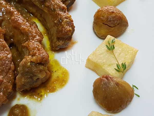Costillas de cerdo con castañas, un guiso perfecto