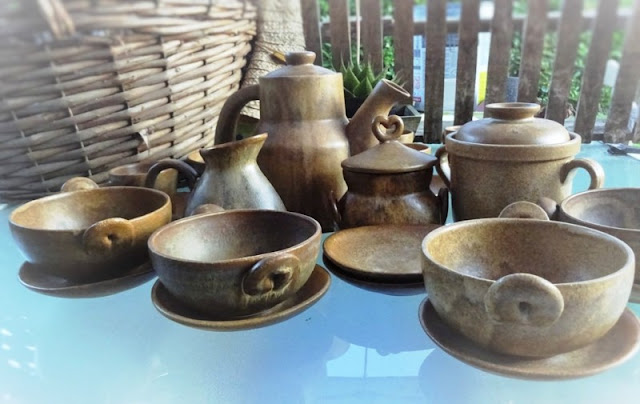 Awesome brown chestnut stoneware Coffee set ; tall coffee pot, cups and saucers, large lug bowls, round butter dishes, milk jug, sugar lidded pot, marmalade covered dish