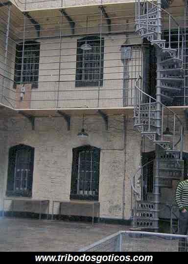 prisão de ferro tortura passado