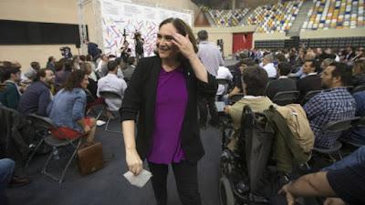 Colau, Podemos, Barcelona, legionarios, feria, fines beneficos,
