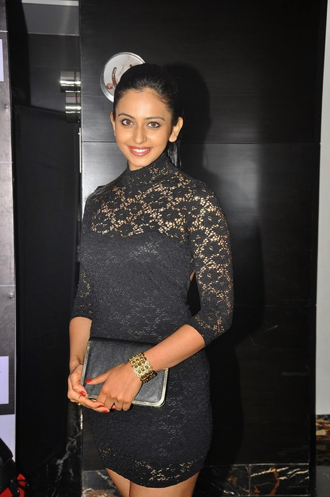 South Actress Rakul Preet Singh Photo Shoot at SIIMA