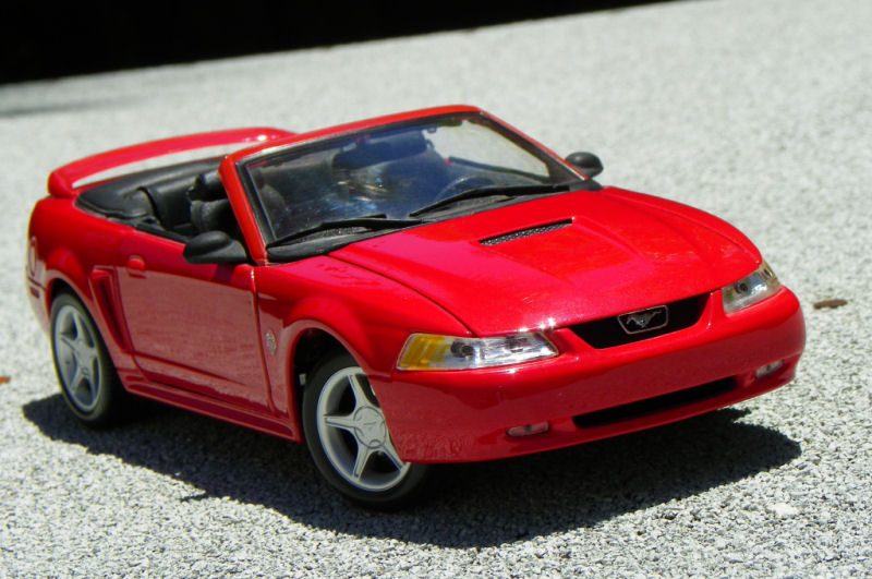California Streets Collector S Corner Maisto 1999 Ford Mustang Gt Convertible