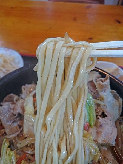 やんばる島豚の野菜そばの麺の写真