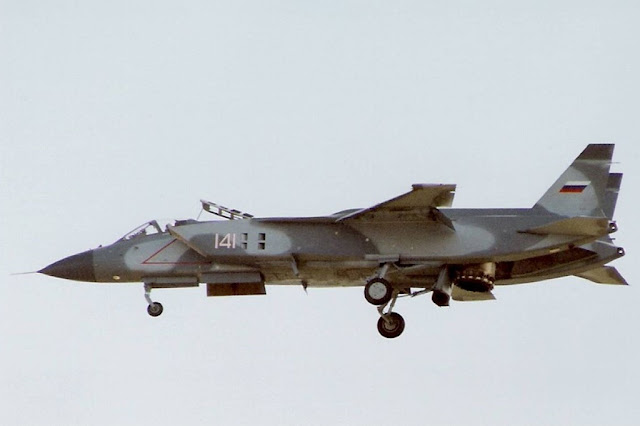 RUSSIA LOOKS AT A VERTICAL TAKEOFF AIRCRAFT