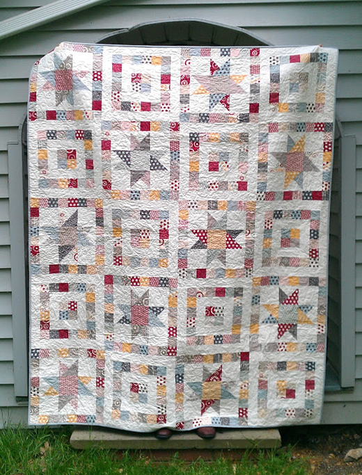 Starry Eyed Quilt made by Kelsey Reed of KelseySews, The Tutorial designed by Angela Mitchell for Modabakeshop