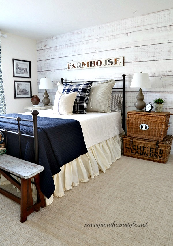Savvy southern style farmhouse style is for Farmhouse style bed